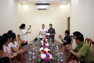 BQL VQG Phong Nha - Kẻ Bàng làm việc với đoàn thiện nguyện hỗ trợ trồng cây từ Thành phố Hồ Chí Minh